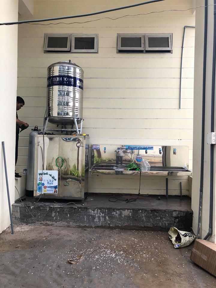 hệ thống nước uống cho trường học