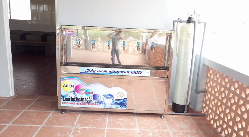 Máy nước uống công nghiệp 6 vòi  lạnh