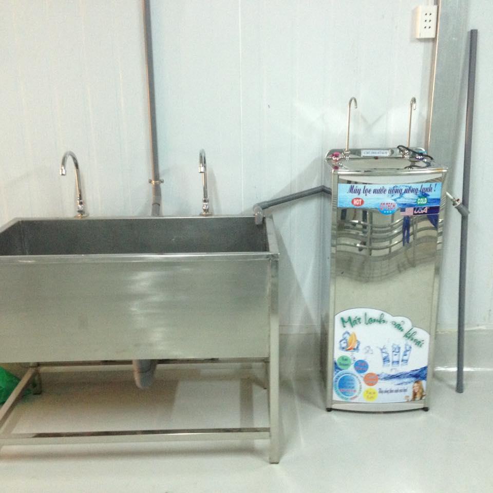 máy nước uống nóng lạnh 2 vòi