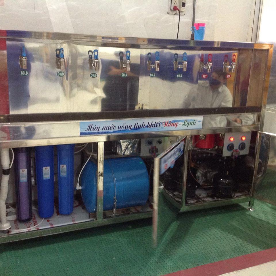 Máy nước uống nóng lạnh công nghiệp 8 vòi