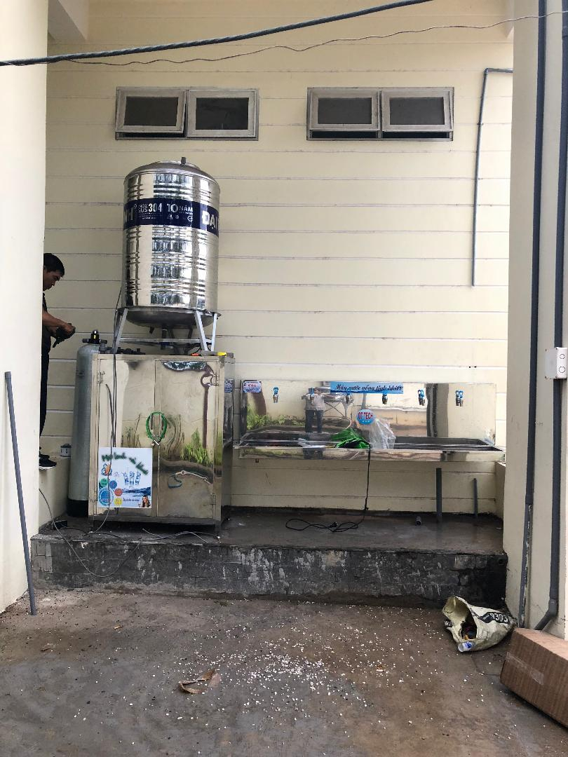 Nước uống tinh khiết cho trường học
