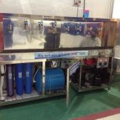 Máy nước uống tinh khiết cho doanh nghiệp làm việc 3 tại chổ